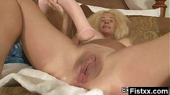 Muscular bigtitted milf amateurs milking and fist fucking