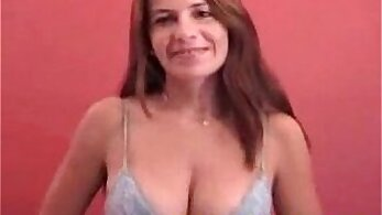 Amateur loves to clean her casting agent
