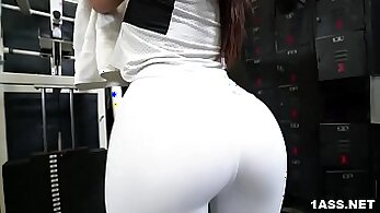 Bigy Gym Perky Booty Stallion from Cleavage